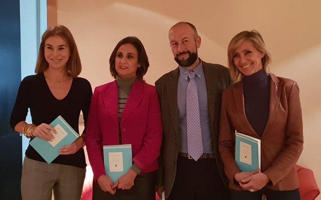 Un volumen recoge los ensayos escritos por Clara Campoamor durante su exilio en Argentina y rescata dos entrevistas