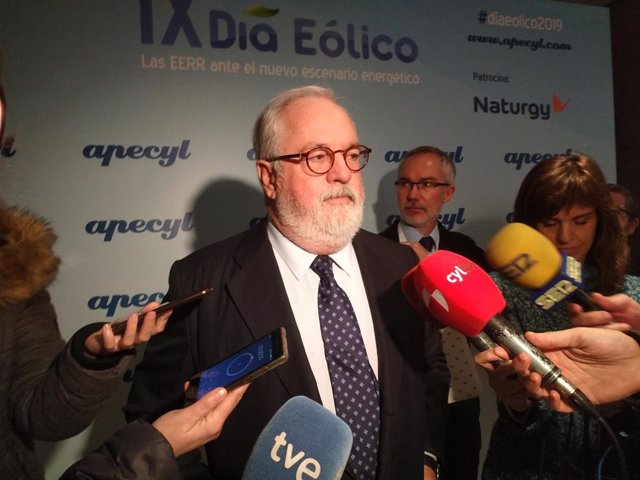 Arias Cañete insta al Gobierno a presentar su Plan de Energía y Clima