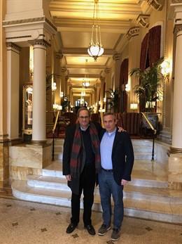 El presidente de la Generalitat, Quim Torra, con Josep Lluís Alay