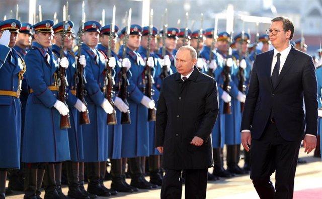 Vladimir Putin y Alexander Vucic en Belgrado
