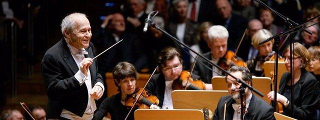 El maestro Ádám Fischer, al frente de la Orquesta Sinfónica de Düsseldorf