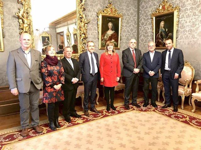 Ana Ollo recibe al presidente del Parlamento de Córcega.