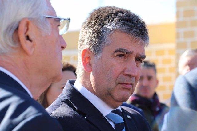 El portavoz del grupo popular en el Senado, Ignacio Cosidó, ha visitado el centr