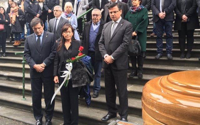 La Junta General despide al expresidente Areces como un hombre honesto e innovador que transformó Gijón y Asturias