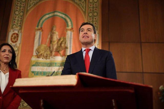 Juanma Moreno jura el cargo de presidente de la Junta de Andalucía