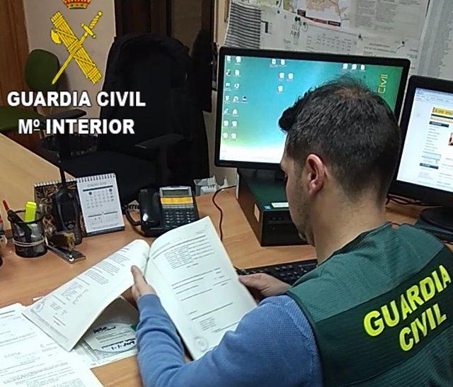 Dos investigados en la operación Escolarys