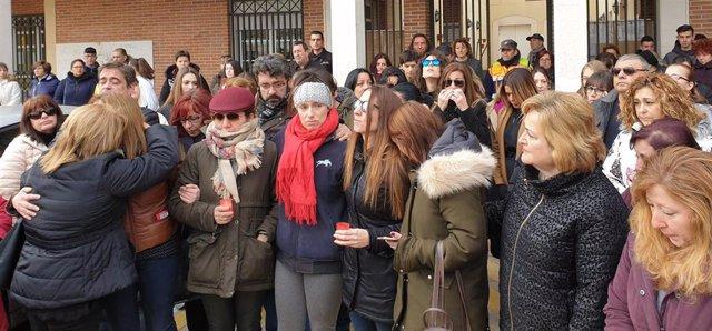 Concentración en Villanueva por la mujer asesinada en Meco