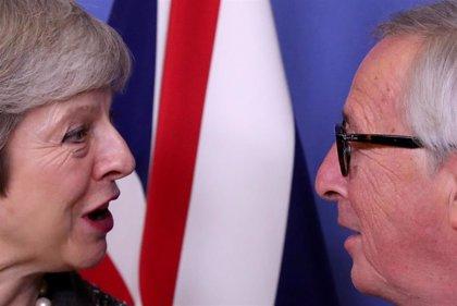 May habla con Tusk y Juncker para desbloquear la situación tras el no de Westminster al acuerdo del Brexit