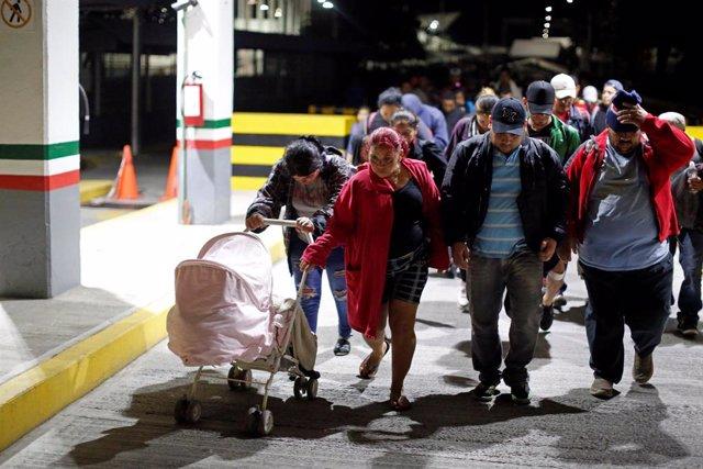 People belonging to a caravan of migrants from Honduras en route to the United S