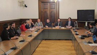 El Parlament activa la reforma del reglament amb la qual JxCat vol investir Puigdemont (EUROPA PRESS)