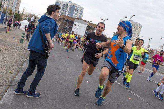 Corredor del Zúrich Maratón Sevilla