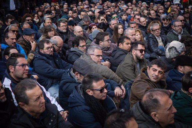 Taxistas en asamblea en Barcelona