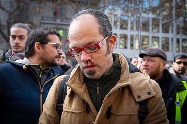 Agressió a un periodista en una assemblea de taxistes