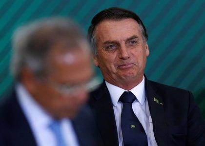 Autoridades brasileñas identifican docenas de transferencias en metálico a la cuenta del hijo de Bolsonaro