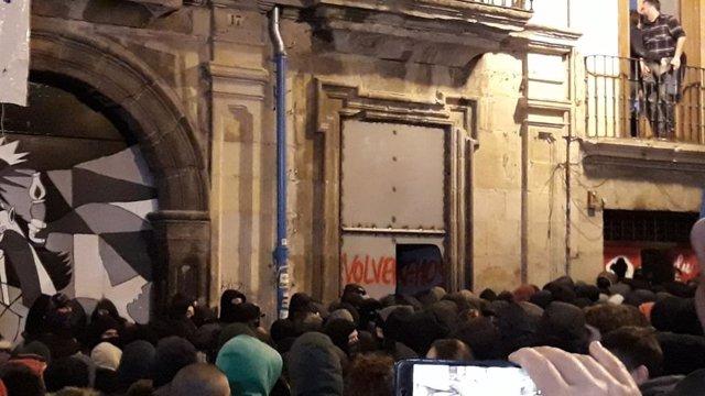 Ocupan de nuevo el Palacio del Marqués de Rozalejo en Pamplona.