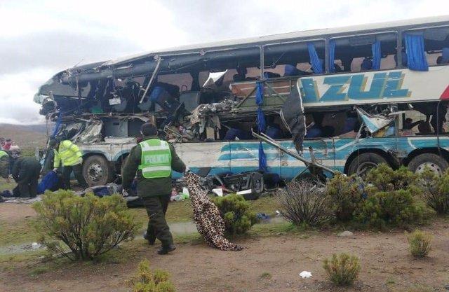 Autobús siniestrado en Bolivia