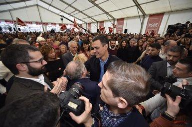 """Sánchez: """"Visca Espanya, clar, però que no visqui enfrontada com volen les tres dretes, sinó unida"""" (Javi Carrión - Europa Press)"""