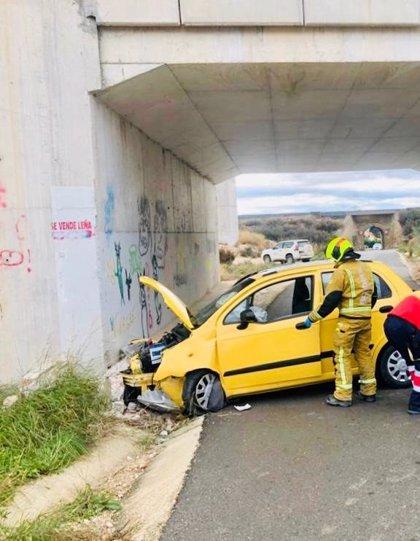 Un hombre resulta herido al chocar el vehículo que conducía contra un muro entre Novelda y Agost