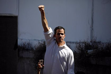 El líder de la oposición venezolana ofrece una amnistía a los militares que abandonen a Maduro