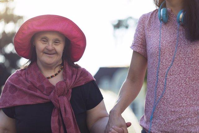 Discapacidad intelectual, mujer mayor