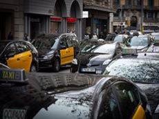Mobilitat complicada a Barcelona per les protestes dels taxistes i dels VTC (Europa Press)
