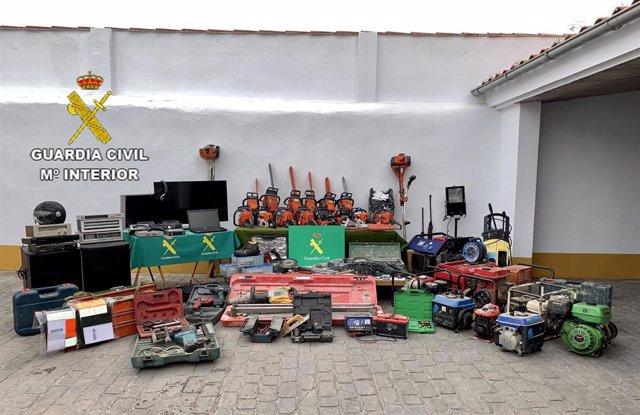 Material recuperado por la Guardia Civil