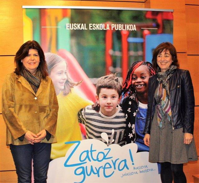 Maite Alonso y Cristina Uriarte, en la presentación de la prematrícula