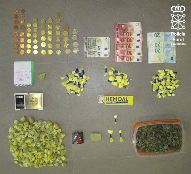 Sustancias y dinero intervenido en la operación policial en Lodosa