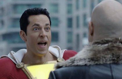 Shazam se burla de El Caballero Oscuro en su nuevo tráiler