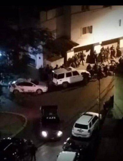 """Se registra un """"alzamiento militar"""" por parte de un comando de la GNB que no reconoce el """"régimen"""" de Maduro"""