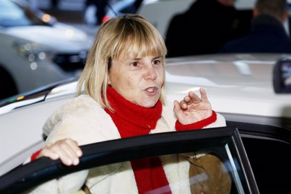 Eugenia Martínez de Irujo da un golpe en la mesa y defiende a Kiko Rivera y a su padre Luis