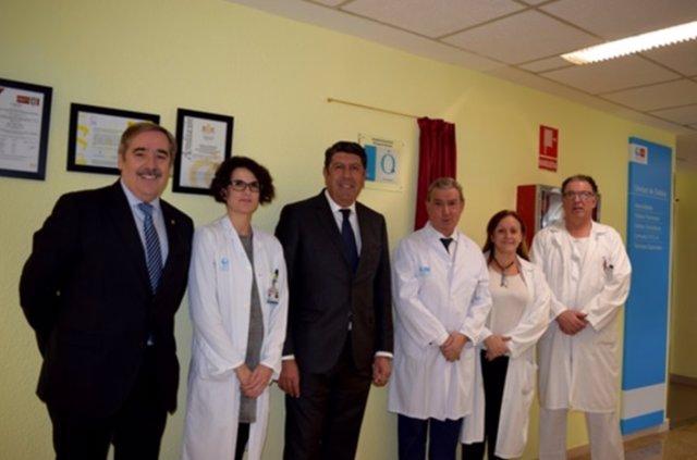 Descubrimiento de la placa de acreditación de IDIS del Príncipe de Asturias