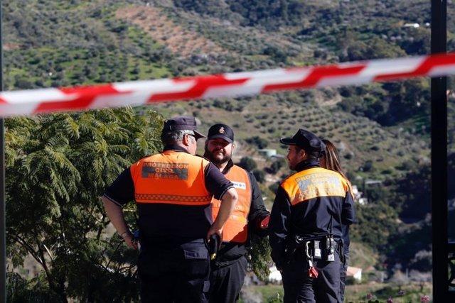 Efectivos de Protección Civil apoyan el rescate de Julen en Totalán