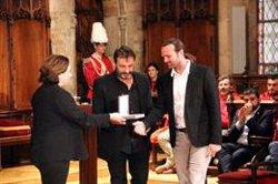 Open Arms rep la Medalla d'Or al Mèrit Cívic de Barcelona en un acte que denuncia l'