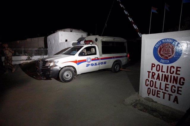 Centro de formación de la Policía en Quetta atacado por Estado Islámico