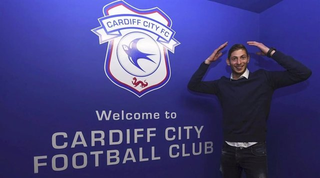 Emiliano Sala tras fichar por el Cardiff City