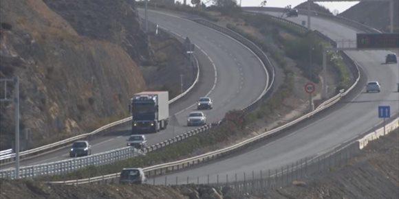 7. Trasladan al hospital a dos varones tras un accidente en la A-7 en El Ejido (Almería)