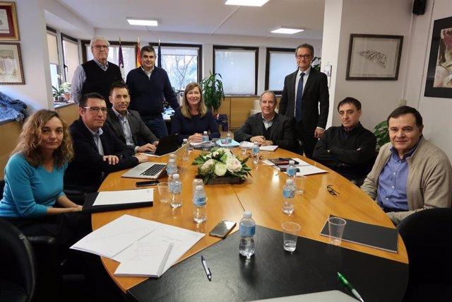 Consellera de Salud, Patricia Gómez, con representantes de Son Espases