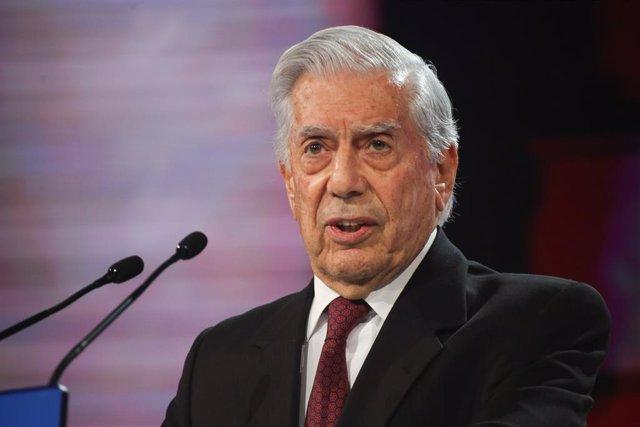 Vargas Llosa en la Convenció Nacional del PP 'Espanya en llibertat'