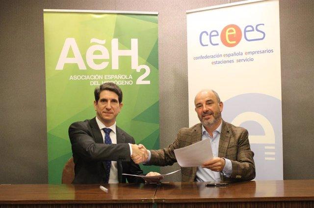 Los presidentes de AeH2, José Javier Brey, y de CEEES, Jorge de Benito