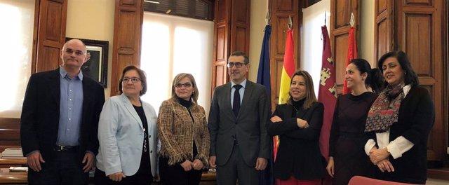 Luján firma un convenio con Talento Stem