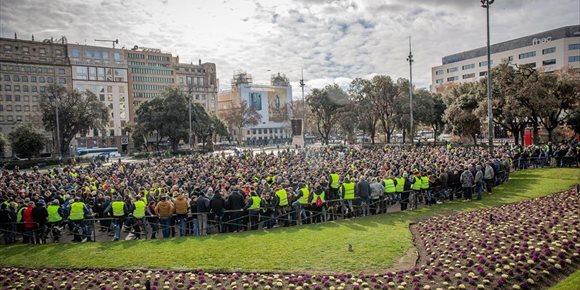 6. El líder de la huelga del taxi de Barcelona renuncia y la asamblea votará si sigue la protesta