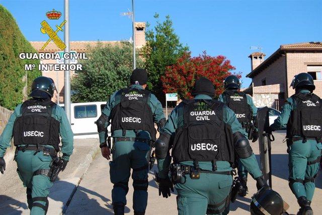 Agentes de la USECIC de la Guardia Civil
