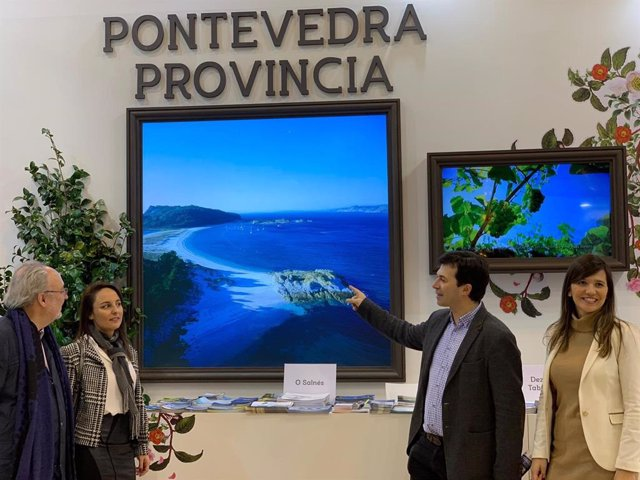 O secretario xeral do PSdeG, Gonzalo Caballero, visita Fitur