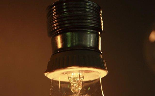 El Gobierno negociará antes de marzo con coletivos, CC.AA y municipios la Estrategia contra la Pobreza Energética