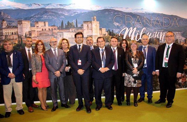 Foto de grupo de la delegación granadina en Fitur