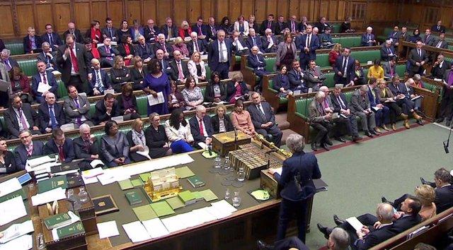 Theresa may habla en la Cámara de los Comunes