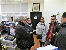 Rojas con trabajadores de centros cívicos