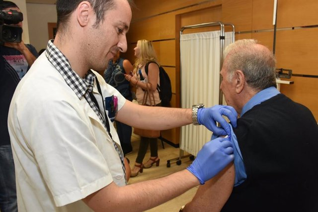Vacunas, vacunación, enfermero