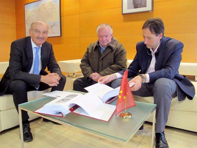 Mazón se reúne con el alcalde de Polaciones